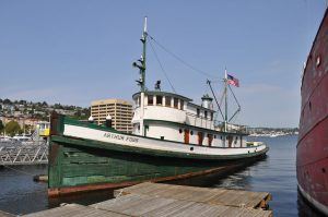 Tugboat Arthur Foss photo by Joe Mabel (CC license)