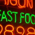 Fast food restaurant dining deals and discounts