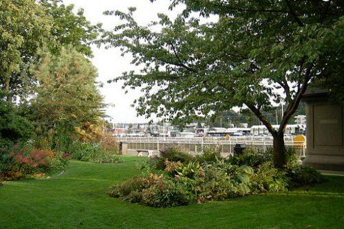 Ballard Chittenden Locks Carl P English Gardens (photo by Joe Mabel)