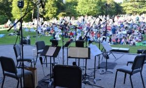 Seattle Chamber Music Society in the park