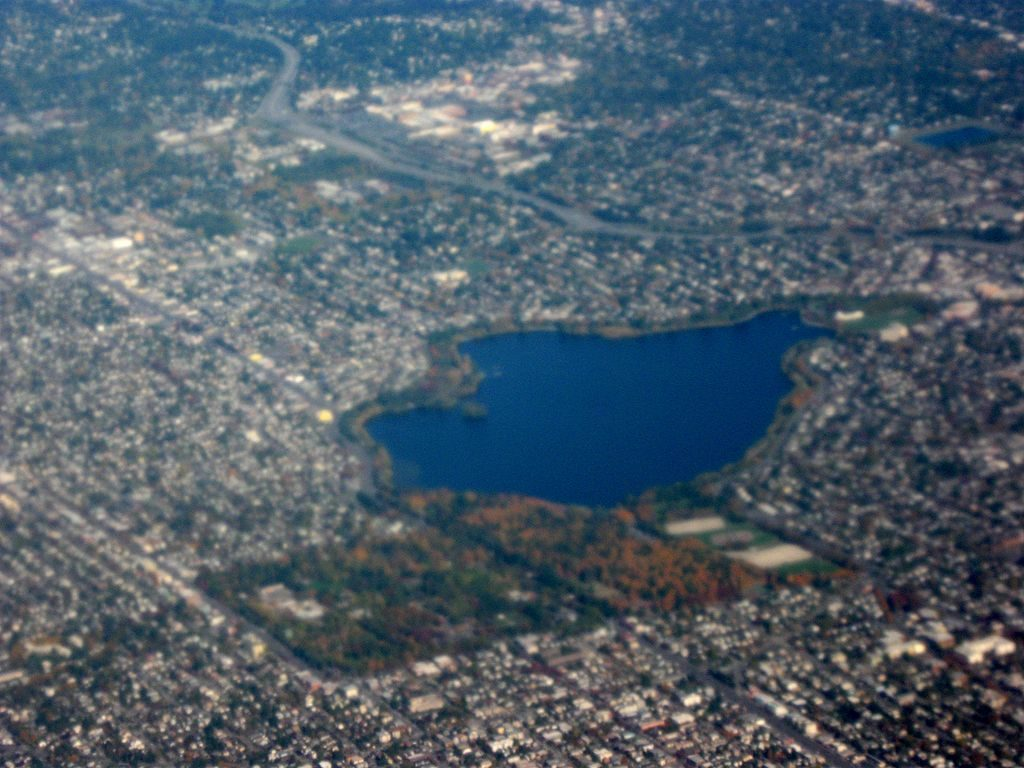 Aerial view of Green Lake photo by Dcoetzee (public domain)