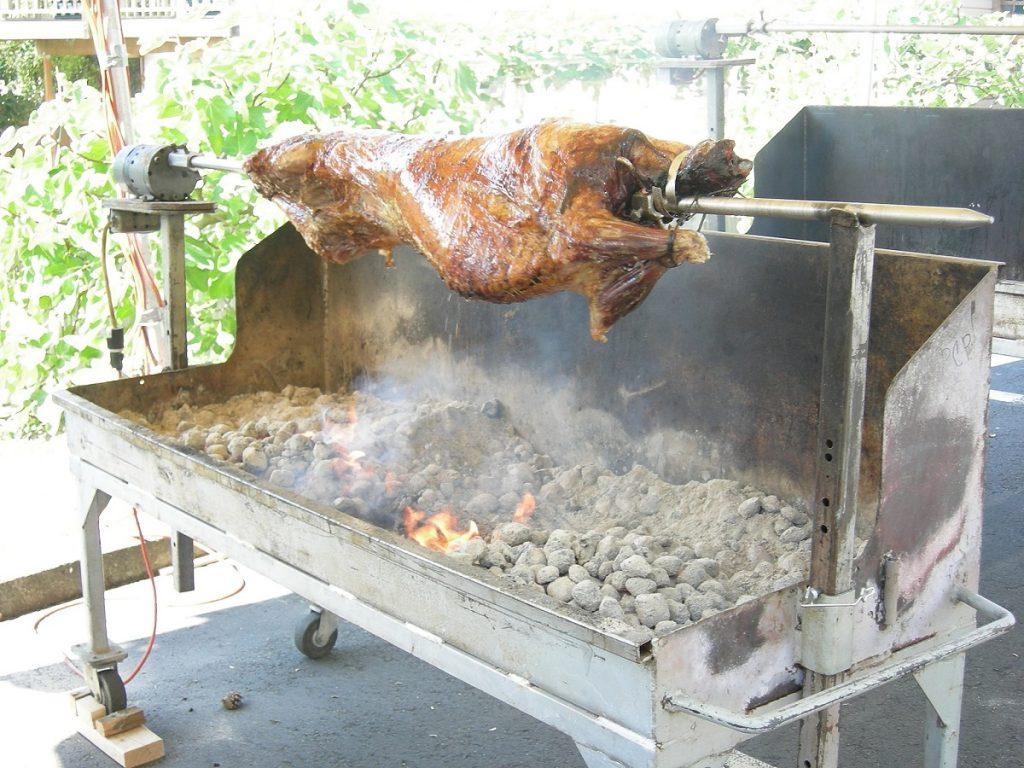 Roasting a lamb, St. Demetrios Greek Festival, Seattle, WA photo by Joe Mabel (CC3)