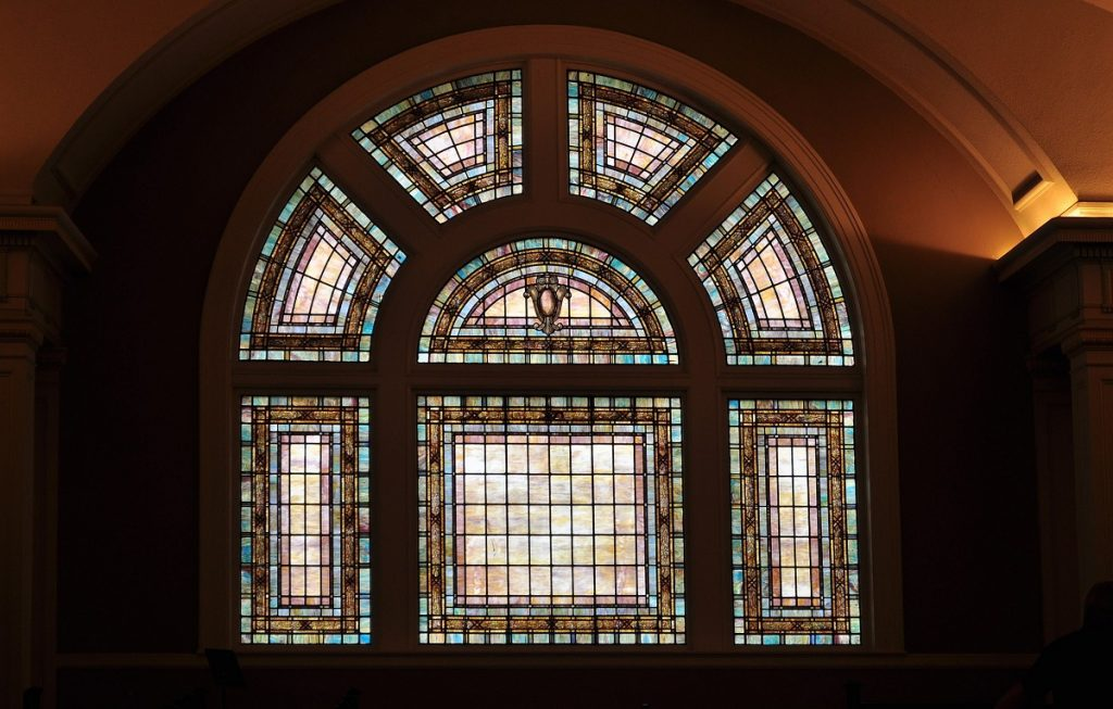 Seattle Town Hall Stained glass window 2016 photo by Joe Mabel (CC4)