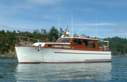 classic yacht 1947 Adventure