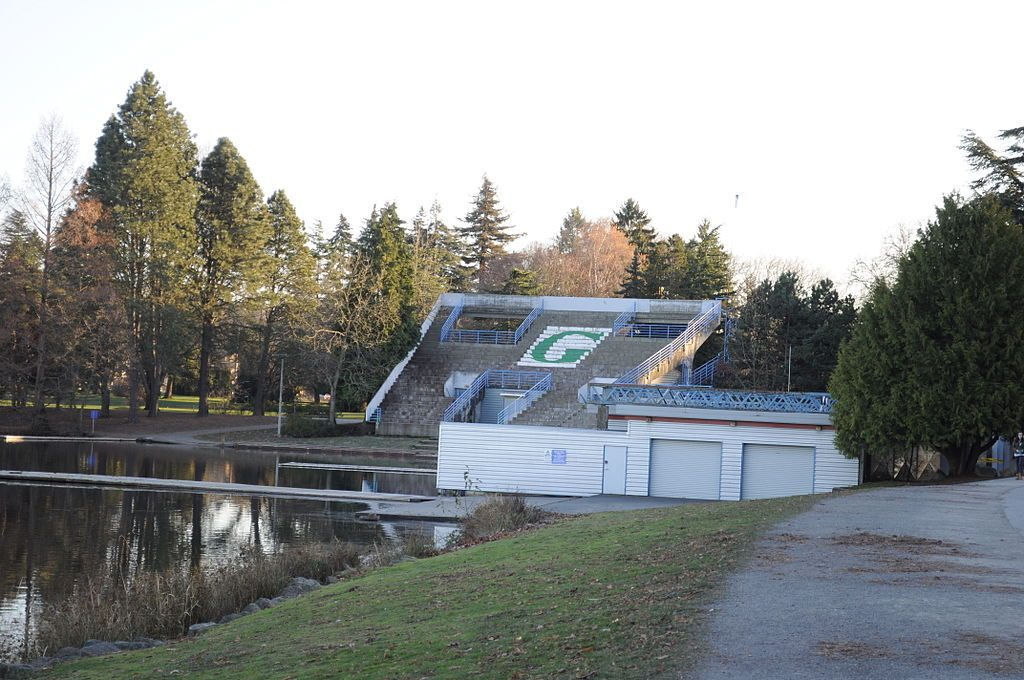 Former Greenlake Aqua Theater in 2009, photo by Joe Mabel (CC3.0)