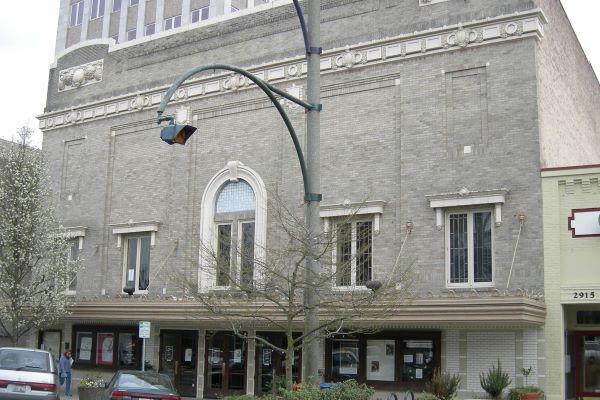 Historic Everett Theatre exterior March 2007