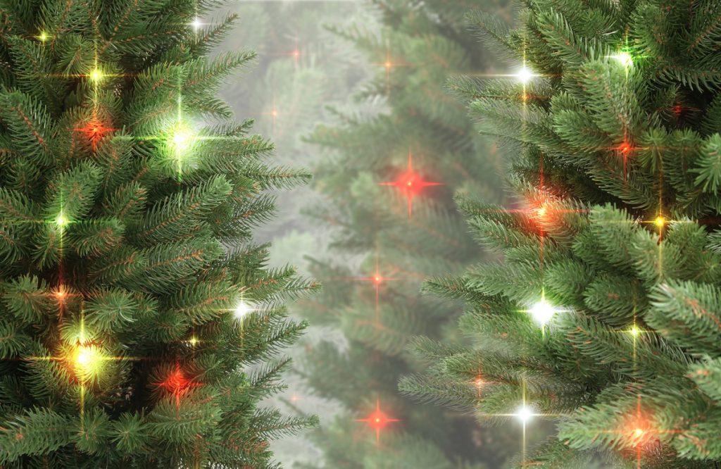 Depositphotos_32994229_l-2015 christmas tree lights
