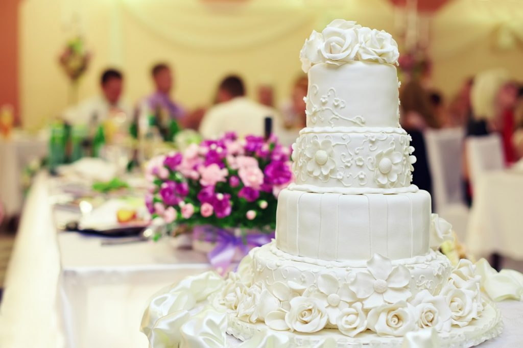 Wedding reception cake - DepositPhotos.com