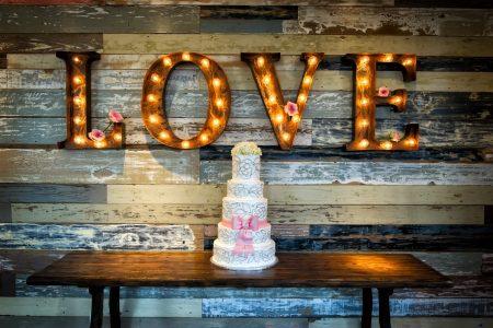 Wedding Cake - DepositPhotos.com
