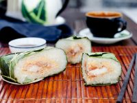 Banh chung (sticky rice cake), traditional Vietnamese food for Lunar New Year - DepositPhotos.com