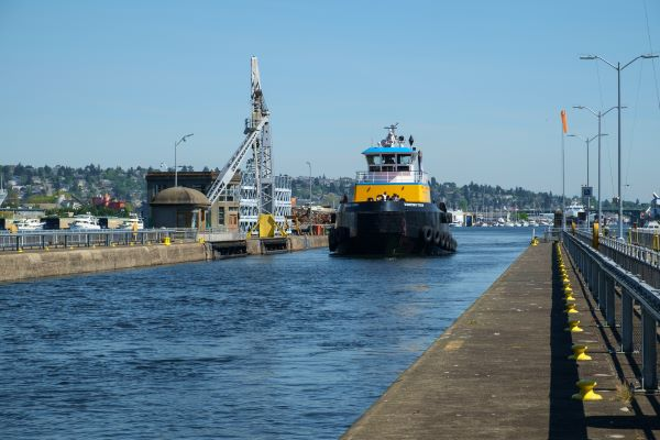 Tugboat going through Ballard Locks in Seattle