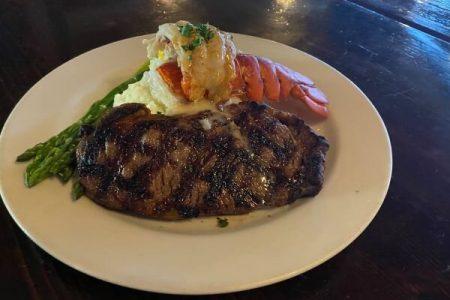 Bluwater Bistro Leschi steak lobster dinner
